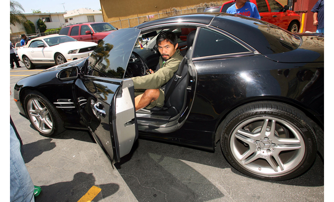 Manny Pacquiao Rides in Luxury Cars Versus Floyd Mayweather - Ferarri