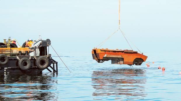 La policía de Dubai convirtió vehículos blindados en hogares para peces exóticos del Golfo-blindajes nacionales