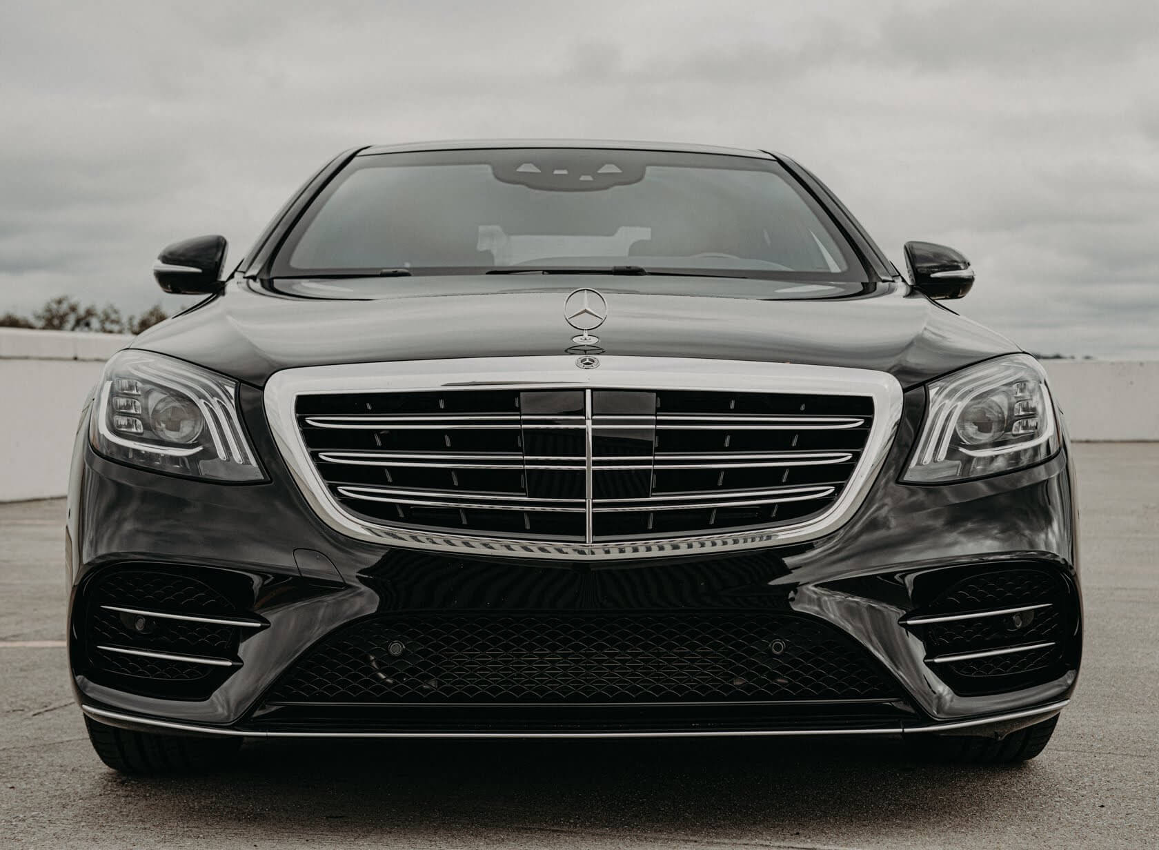 Armored Mercedes S 560 Grill