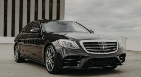 Armored Mercedes S 560 by Armormax Front Side Building